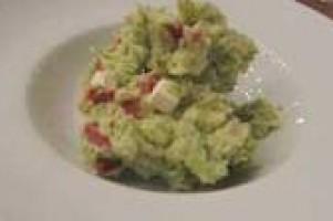 Stamppotje broccoli met gedroogde tomaten en salami