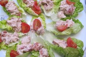 Gezond borrelhapje: little Gem met tonijnsalade