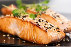Kinderen en jongeren die voldoende vis eten leren beter